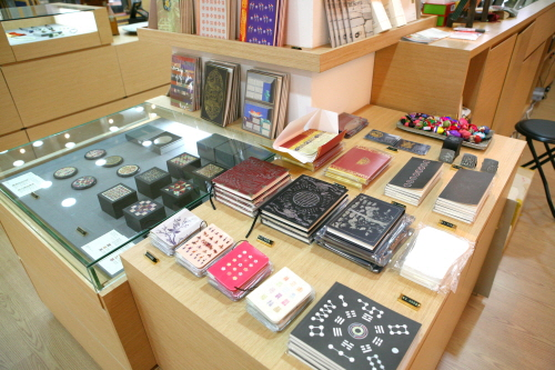The shop at KOREA HOUSE (한국의집 문화상품관)