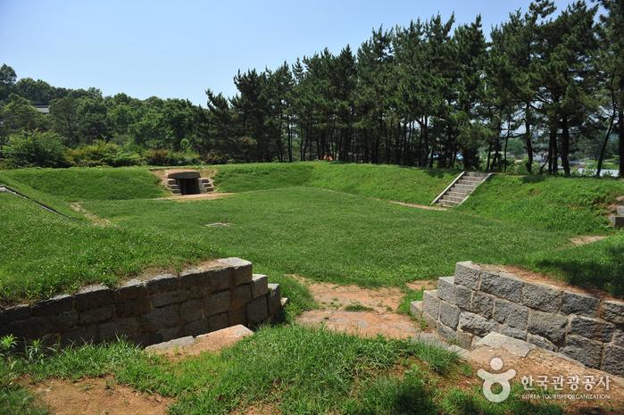 Deokjinjin Fortress (덕진진)