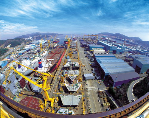 Okpo Shipyard of Daewoo Shipbuilding & Marine Engineering (대우조선해양(주) 옥포조선소)