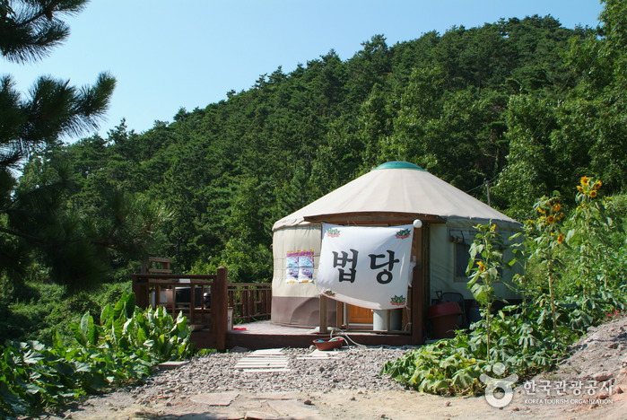 Birthplace of Baekje Buddhism (백제불교최초도래지)