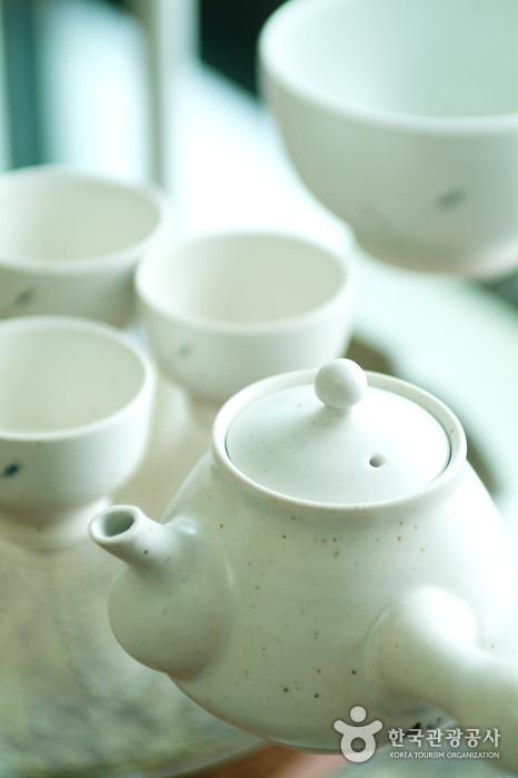Mungyeong Ceramic Museum (문경도자기전시관(문경도자기박물관))