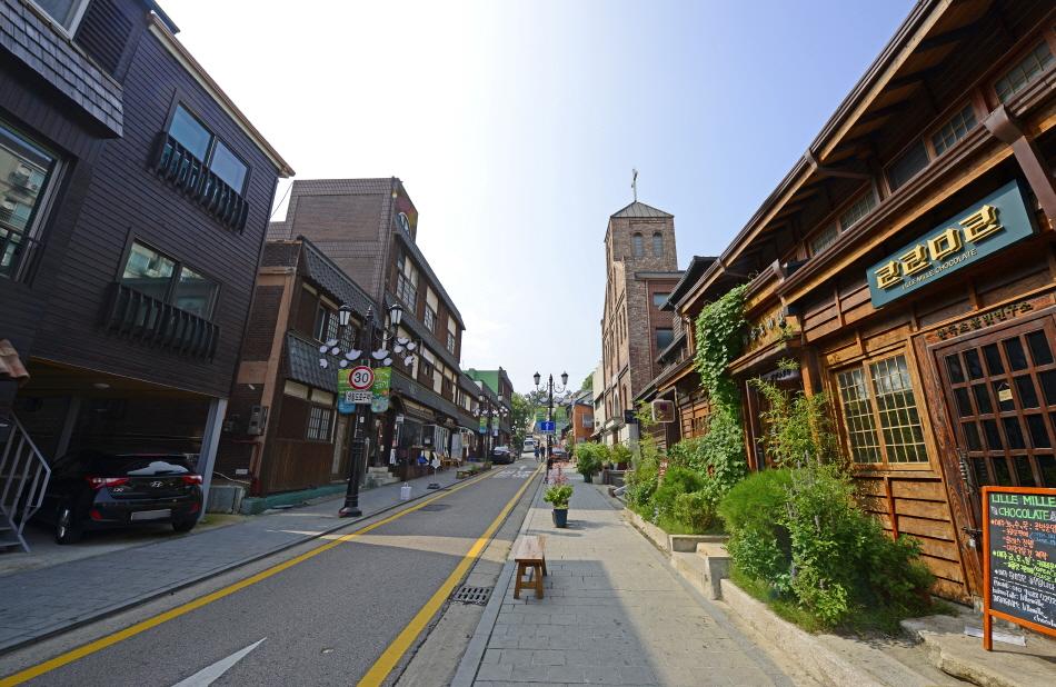 일본식 가옥이 남아 있는 개항장거리