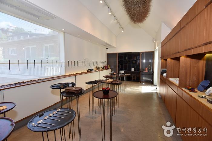 Jeo Jip (Chopsticks House) [Korea Quality] / 저집(주) [한국관광 품질인증]