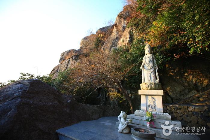 Hyangiram Hermitage (Yeosu) (향일암(여수))