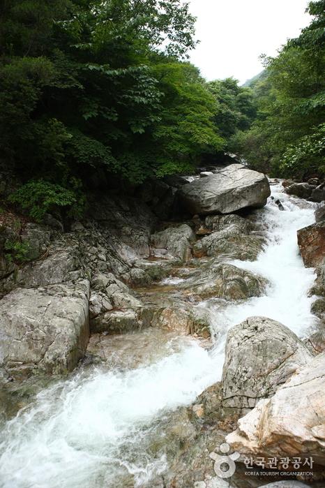 中元瀑布(중원폭포)