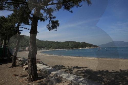 Manseong-ri Black Sand Beach (만성리 검은모래해변)