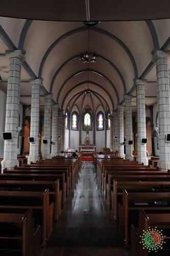 Katholische Kathedrale Gamgok Maegoe (감곡매괴성모순례지성당)