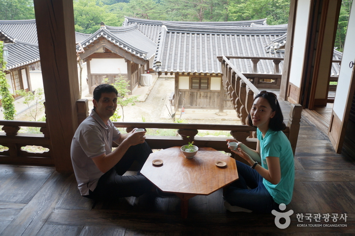 Suncheon Wild Tea House (순천전통야생차체험관)
