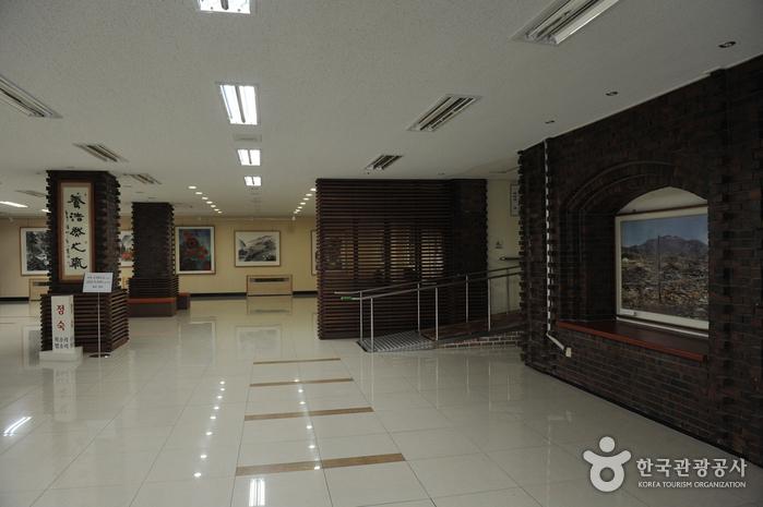 광주광역시립무등도서관