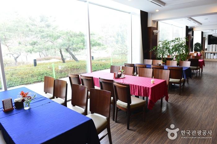 金泉パーク観光ホテル(김천파크관광호텔)