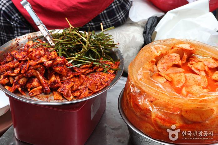 여름철 인기메뉴 부산식 따로김밥