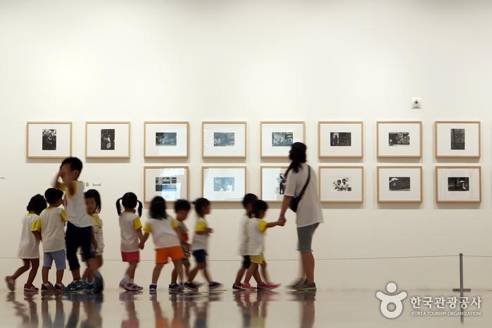 서울시립북서울미술관에는 어린이갤러리 등이 있어 아이들과 함께 둘러보기 좋다.