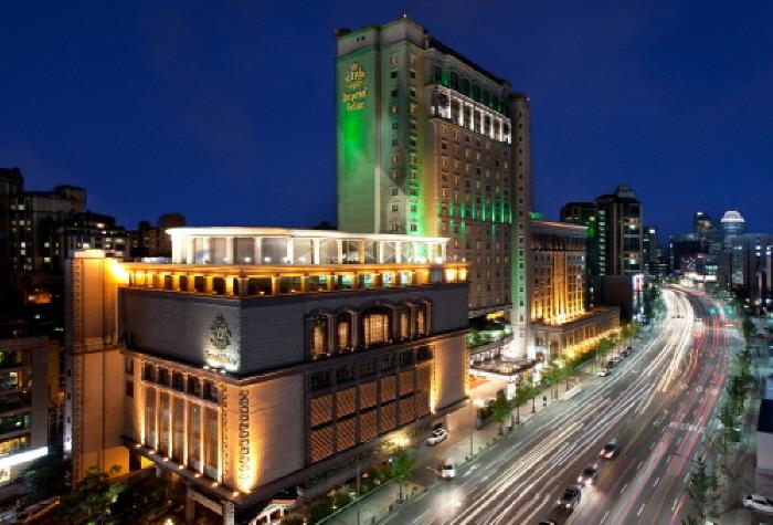 임피리얼 팰리스 호텔