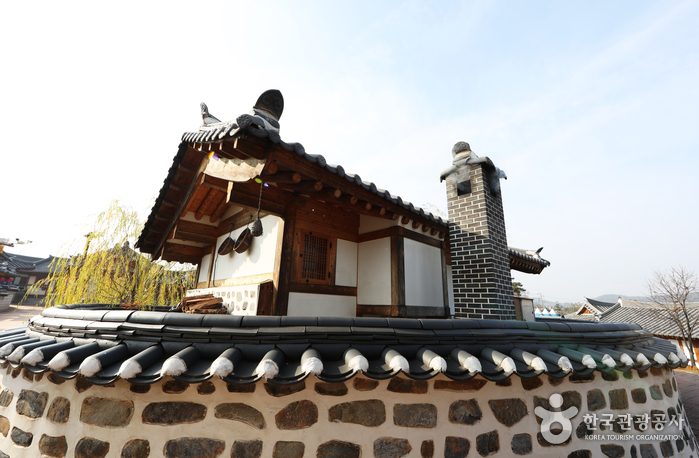 Gongju Traditional Korean Village [Korea Quality] / 공주한옥마을 [한국관광 품질인증]