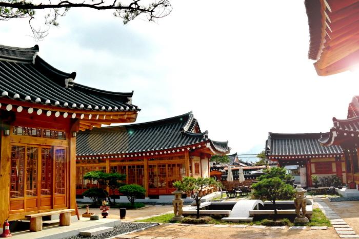 Hwangnamgwan (주식회사 황남관)