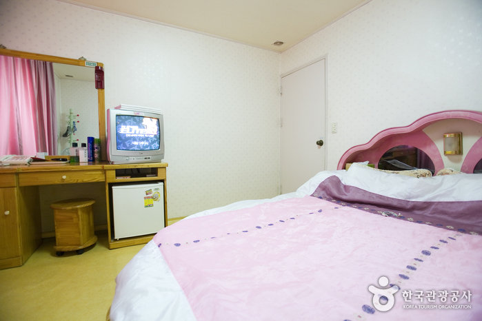 Trash: Lotte Motel (Busan) (롯데모텔(부산))