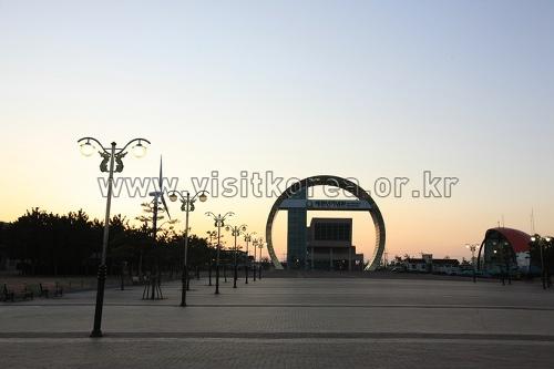 虎尾串迎日广场호미곶 해맞이광장
