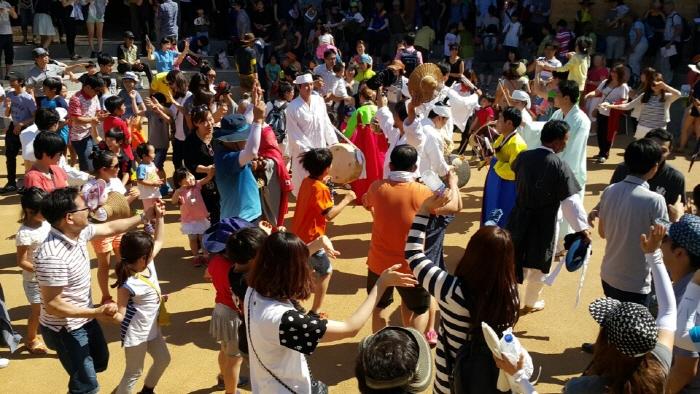 Hahoe Mask Dance Drama Performance (Hahoe Byeolsingut Exorcism) (하회별신굿탈놀이 상설공연)