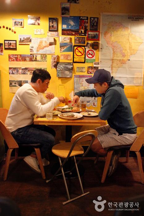 혼자여도 좋고 둘이어도 좋은 샤로수길, '수다메리카(Sudamerica)'