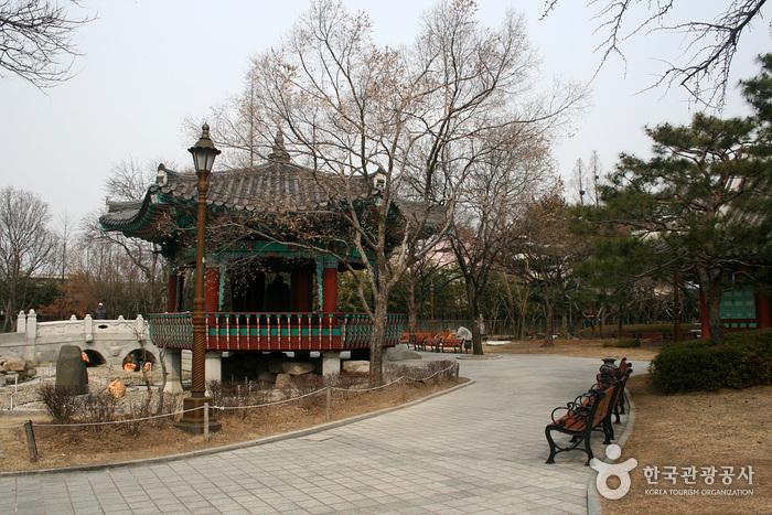 Gyeongsang-Gamyeong-Park (경상감영공원)