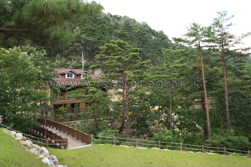 Geombongsan Natural Recreation Forest (검봉산자연휴양림)