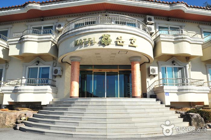 Unho Tour Motel - Goodstay (운호관광농원  [우수숙박시설 굿스테이])