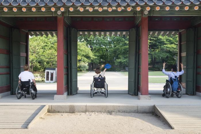 융안문 경사로