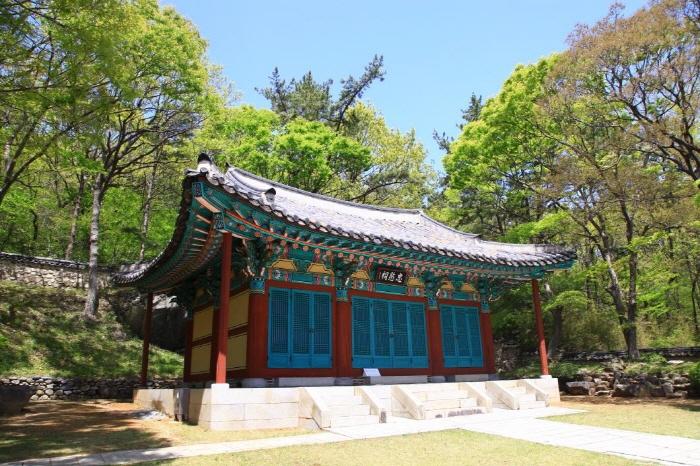 Родовая молельня Чхунминса в Йосу (여수 충민사)4