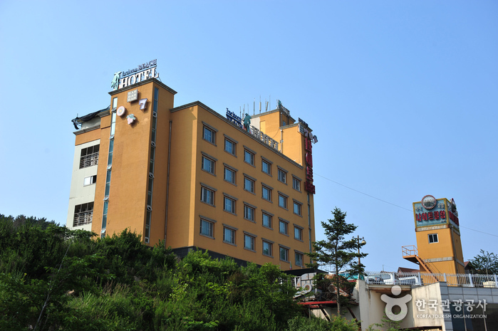 Incheon Beach Tourist Hotel (인천비치관광호텔)