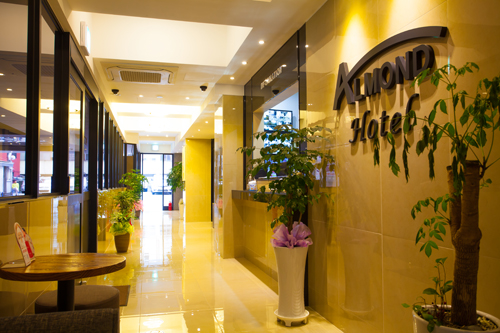 Almond Hotel (아몬드 호텔)