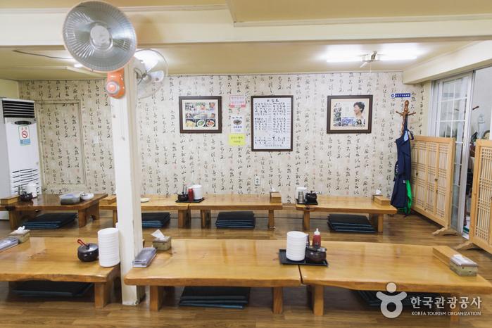 Ресторан Mokcheon Jip (Encore Kalguksu) (목천집 (앵콜칼국수))3