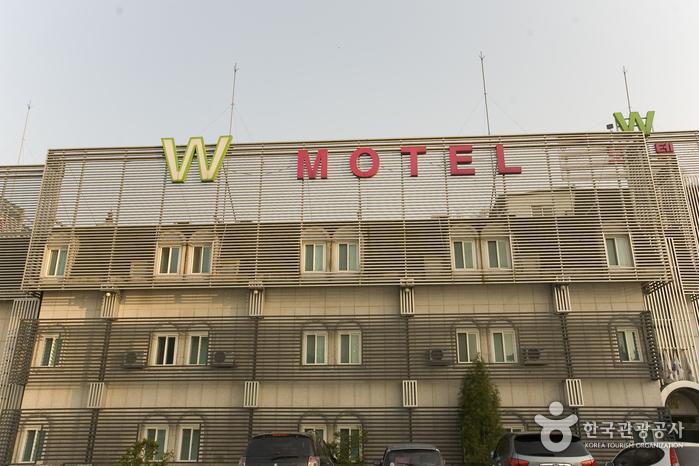 더블유(W)모텔