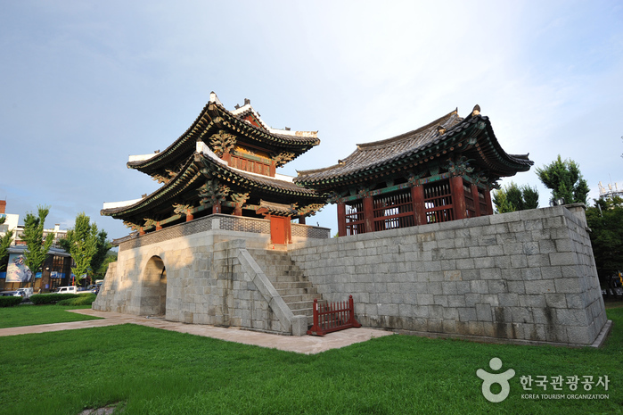 Pungnammun Gate ( )