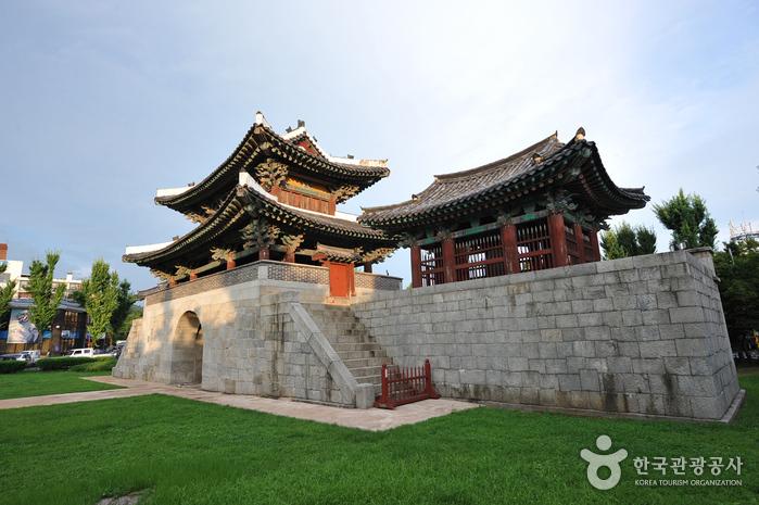 Ворота Пхуннаммун (전주 풍남문)2