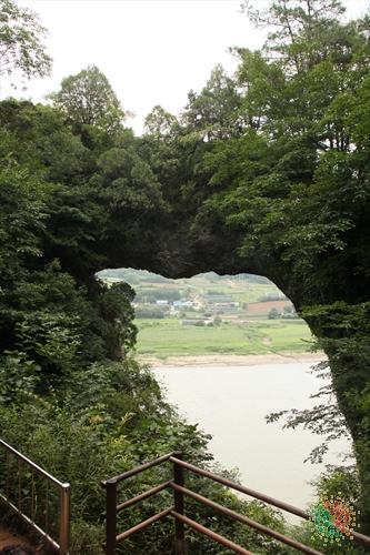 Seongmun (Stone Gate) (석문)