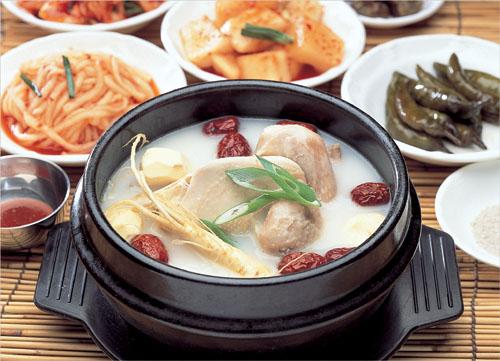 Daedong Samkyetang (대동삼계탕)