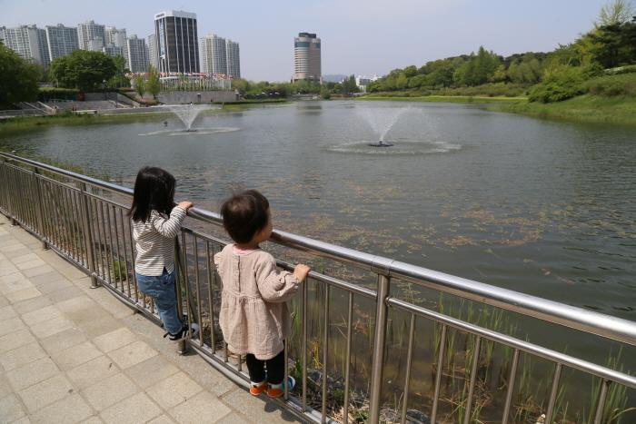 올림픽공원. 몽촌해자의 분수