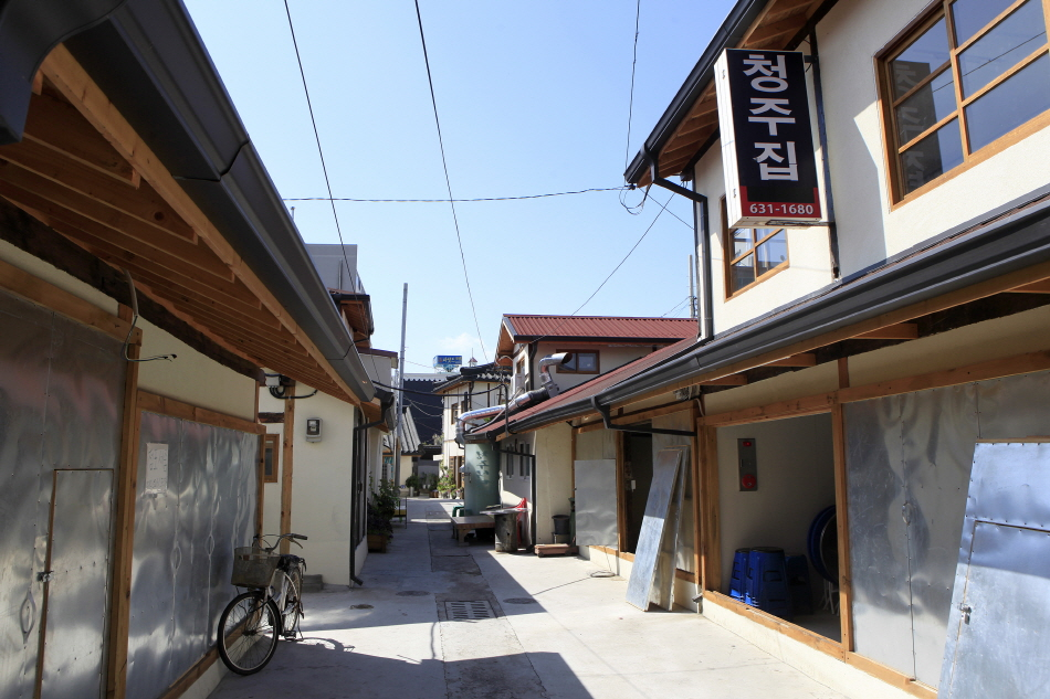 연탄구이가 맛있는 후생시장 골목의 청주집