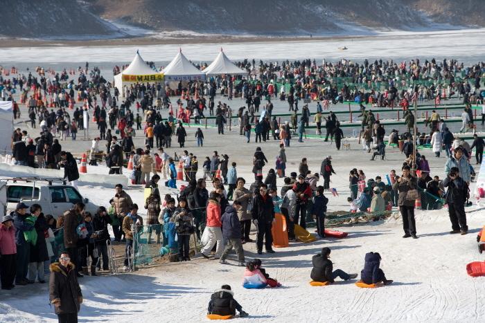 麟蹄冰鱼节인제빙어축제