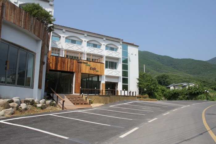 Oksan Lecture Hall Road Guest House (옥산서원길 게스트하우스)