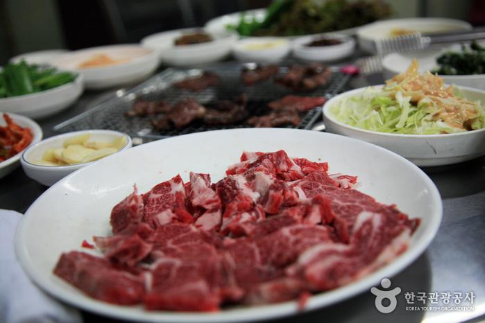 太白韓牛ゴル(태백한우골)