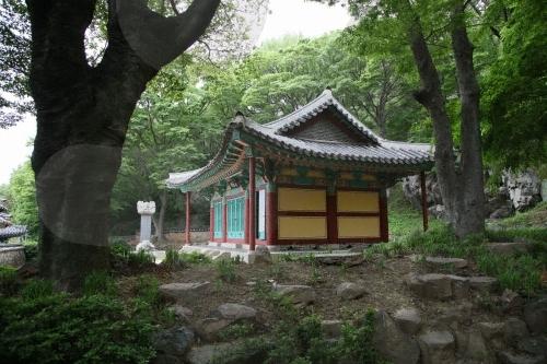 Родовая молельня Чхунминса в Йосу (여수 충민사)8