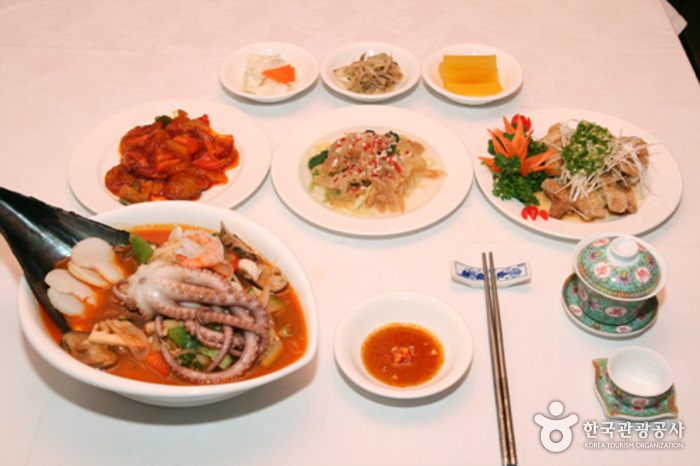 Lee Hwa Won Chinese Restaurant (이화원)