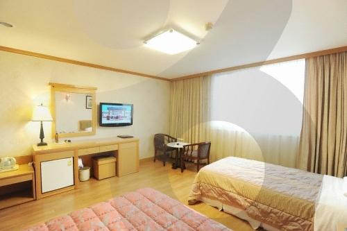 Utopia Hotel (유토피아관광호텔)