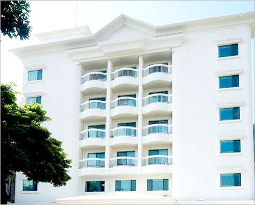 Jeju Greenville Hotel (베니카아호텔제주크리스탈)