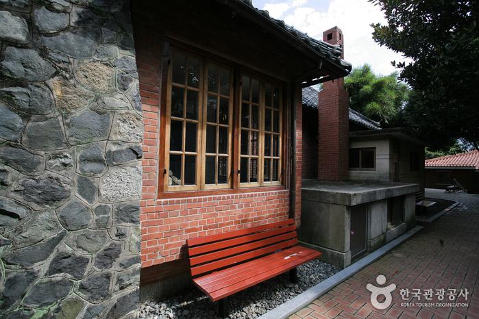 Мемориальный холл (임시수도기념관)11