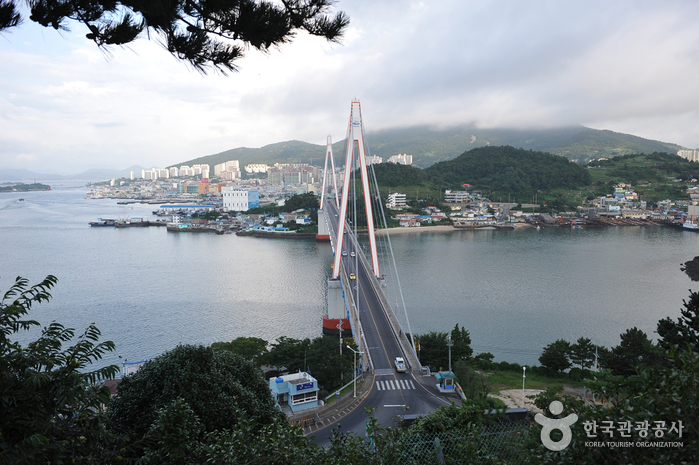 Dolsandaegyo Bridge (돌산대교)