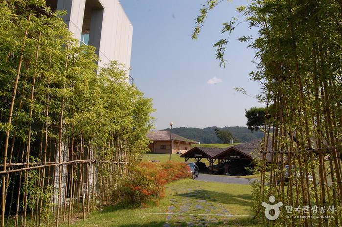 Деревня гончарных изделий на горе Вегосан (외고산옹기마을)16