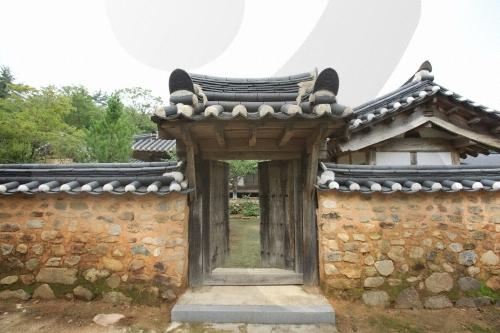 장흥 오헌고택 (구 위성탁 가옥)