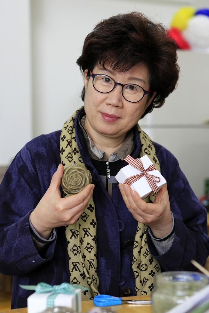 강화약쑥 비누만들기는 문화놀이터 체험학교에서 가장 인기 있는 체험이다.